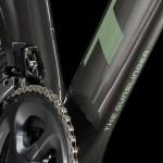 Trek-Bikes-Brett-Favre-custom-project-one-madone12313541_10153962437203296_3067813365060982305_n